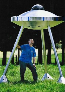 Global Stainless Architectural UFO sculpture